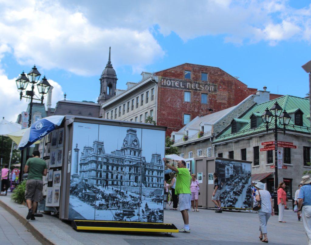 La Place Jacques-Cartier en été