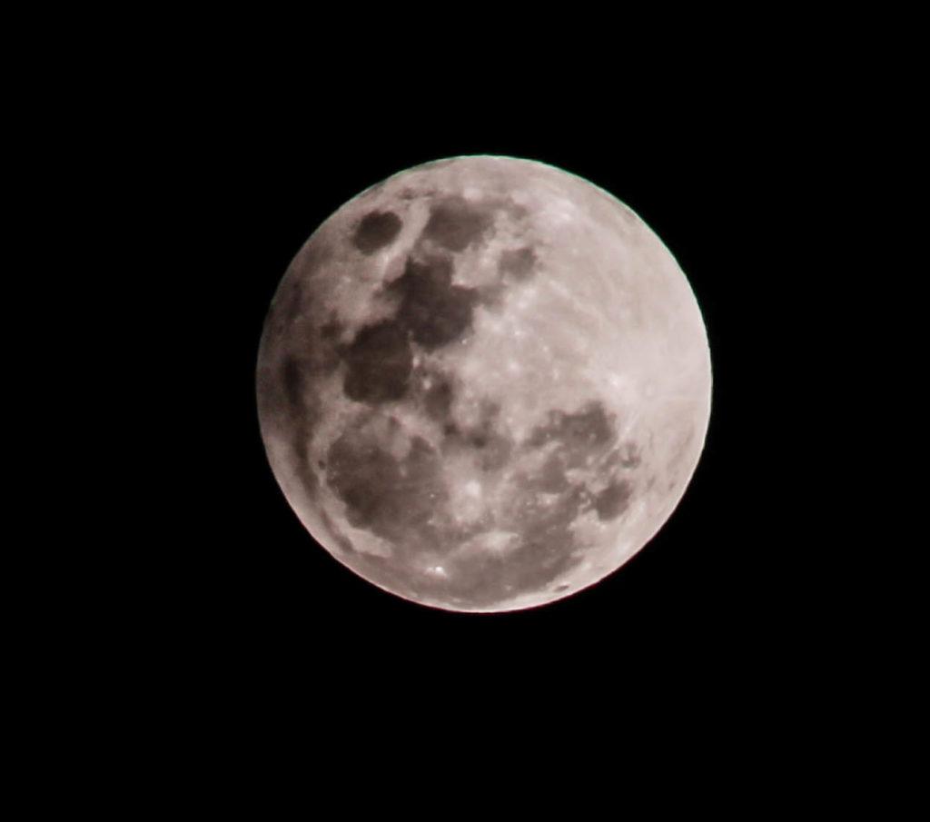 Peu de temps après l'éclipse lunaire