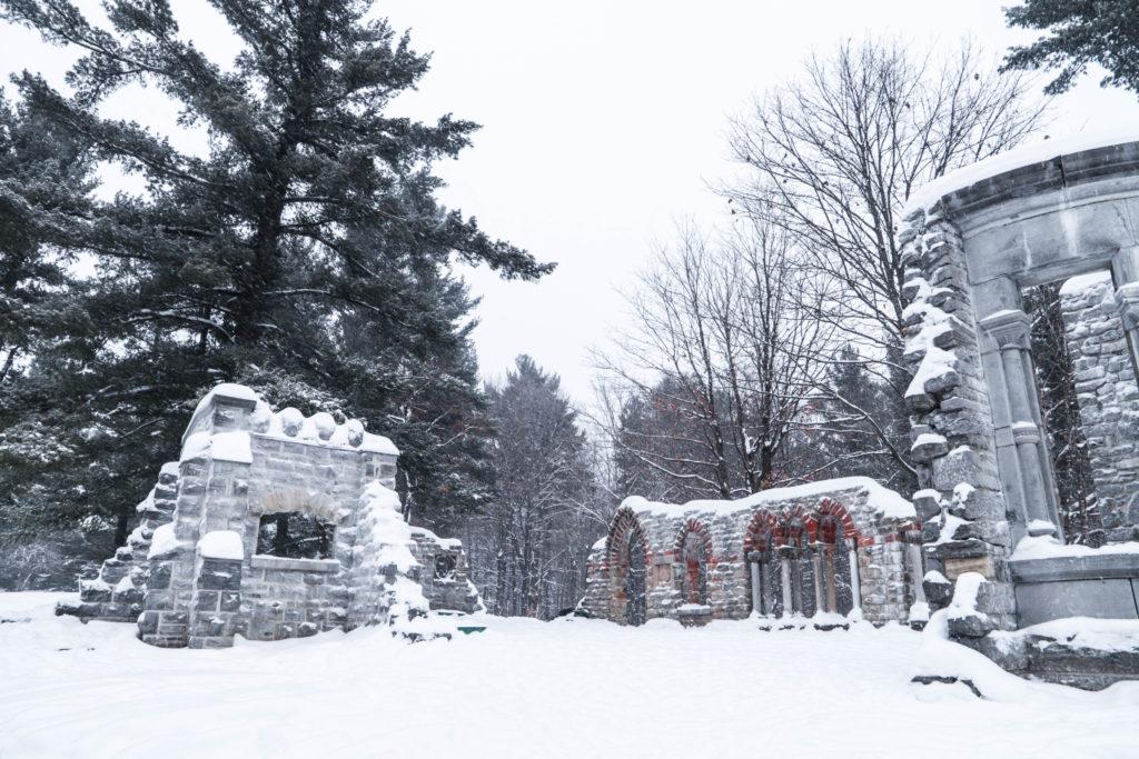 Les ruines du Domaine Mackenzie-King au Parc de la Gatineau